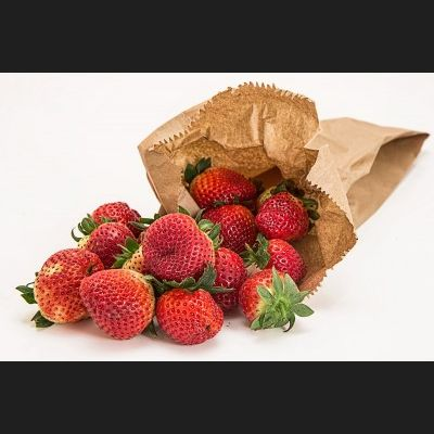 strawberries-1624345_1280